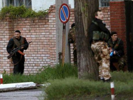Озброєні люди вчинили напад на пожежно-рятувальну частину