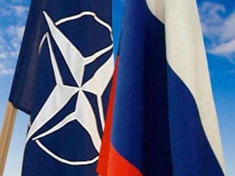 Флаги России и НАТО