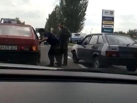 На блокпосту под Донецком - террористы кавказской внешности, - очевидцы (Видео)