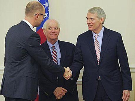 Арсений Яценюк с представителями делегации США