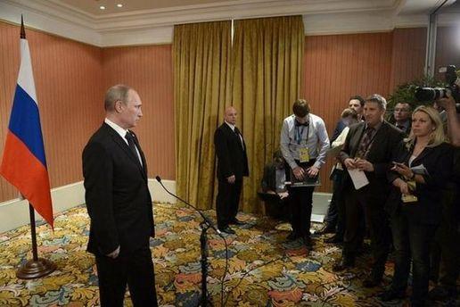 Розповідь Путіна французам про українських мігрантів