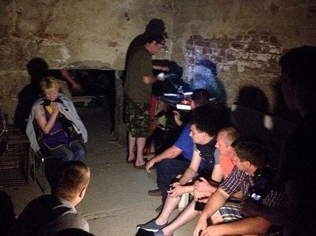 Жители Славянска прячутся в подвалах