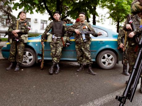 Боевики на улицах Донецка