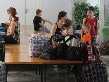 Біженці зі сходу України