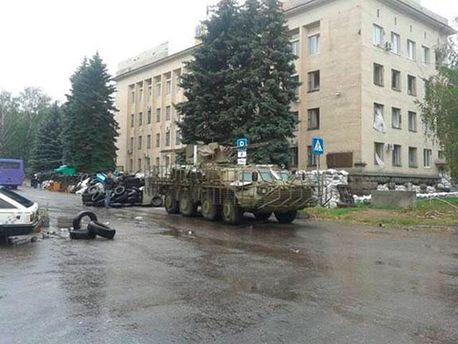 В Краматорске разбирают баррикады (Фото)