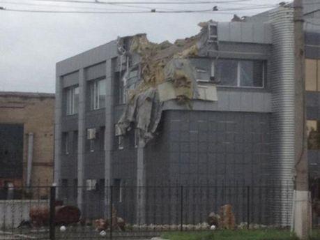 Розтрощена терористами будівля