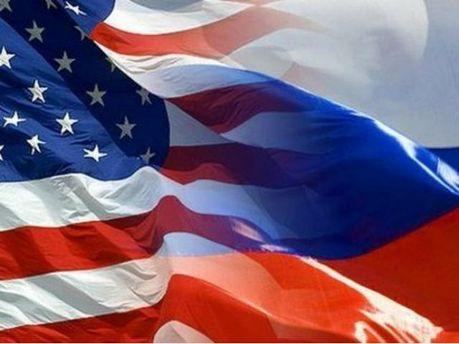 Прапор США та Росії