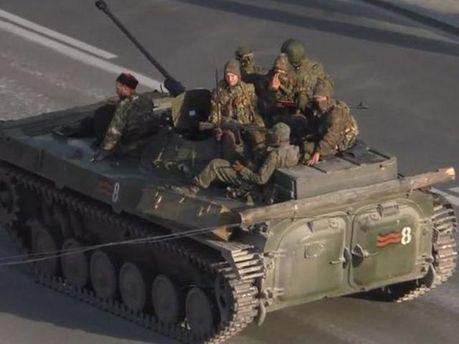 Російська військова техніка в Луганську