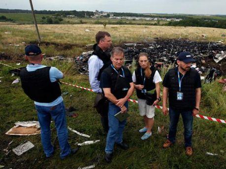 Инспекторы ОБСЕ на месте катастрофы Boeing 777