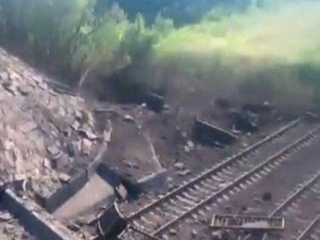 Террористы снова взорвали несколько мостов на Донбассе