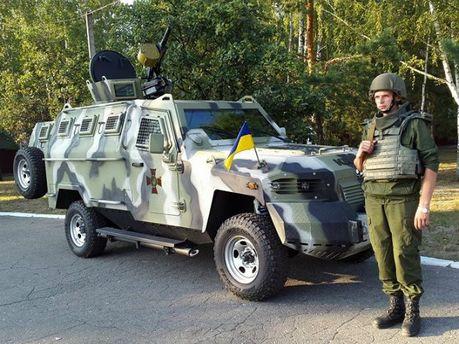 Нацгвардія отримала на озброєння нові бронемашини (Фото)