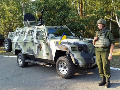 Нацгвардия получила на вооружение новые бронемашины (Фото)