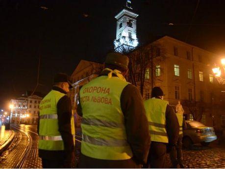 Ночное патрулирование во Львове