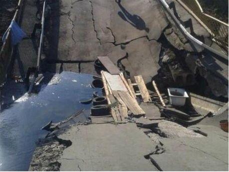На Донбасі терористи продовжують підривати мости