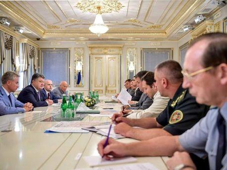 Нарада з керівниками силових відомств