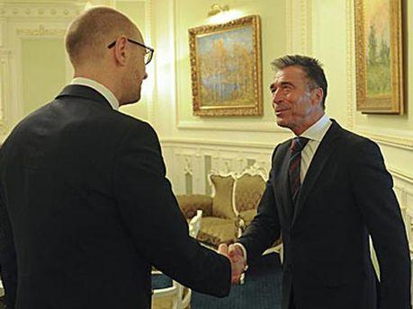 Арсеній Яценюк та Андерс Фог Расмуссен