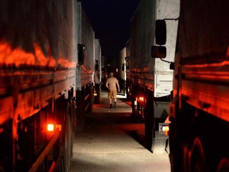 Вантажівки, які везуть з РФ
