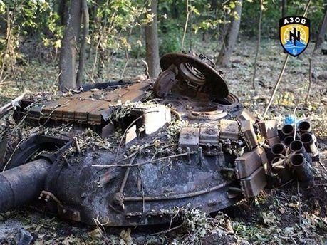Взорванный танк террористов