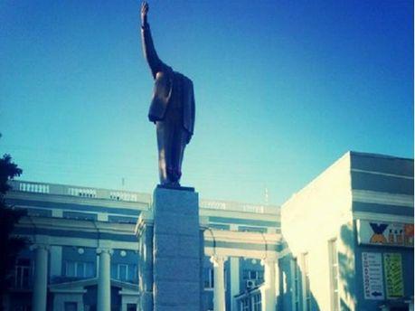 У Харкові обезголовили Леніна