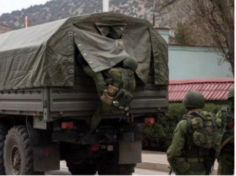 Росія продовжує перекидати військову техніку