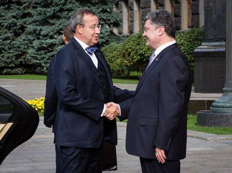 Тоомас Ільвес і Петро Порошенко