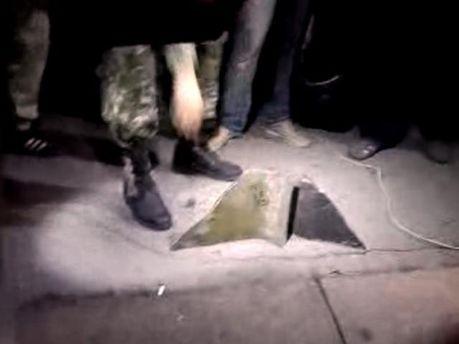 У Харкові від Леніна відлітають шматки, ноги уже немає (Фото)