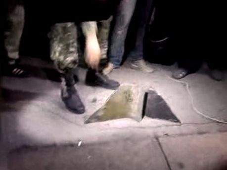 В Харькове от Ленина отлетают куски, ноги уже нет (Фото)