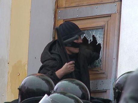 Аваков поручил провести расследование штурма Винницкой ОГА
