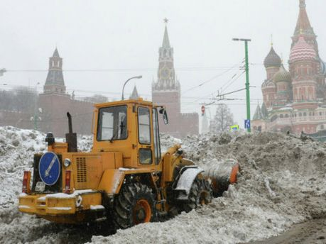 Москву замело снегом