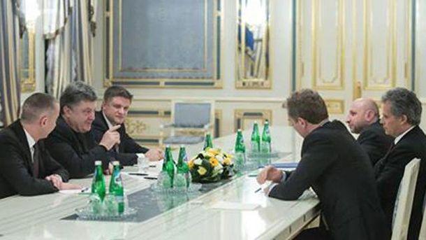 П. Порошенко зустрічається з представниками МВФ