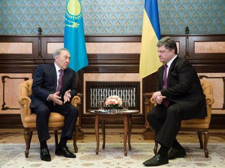 Нурсултан Назарбаєв та Петро Порошенко
