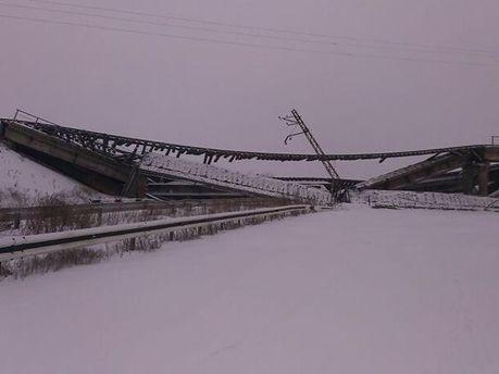 Зруйнований міст