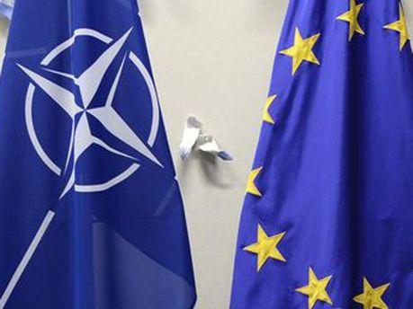Флаги НАТО и ЕС