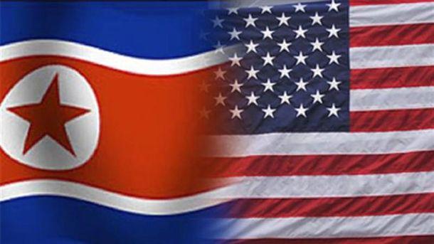 Прапори КНДР і США