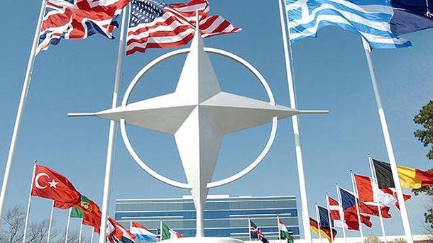 Флаги стран-членов НАТО
