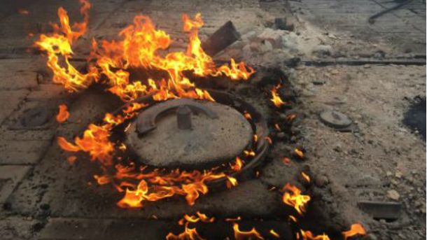 Авдіївський коксохімічний  завод під обстрілом: пожежу гасили майже 10 годин