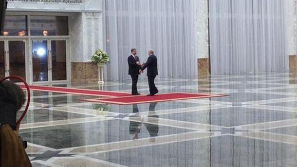 Петро Порошенко та Александр Лукашенко