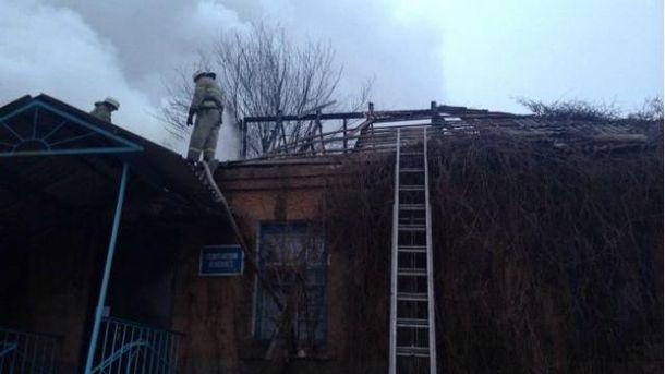 """Бойовики влучили з """"Граду"""" в амбулаторію біля Артемівська"""
