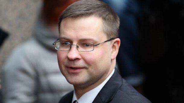 Валдіс Домбровскіс