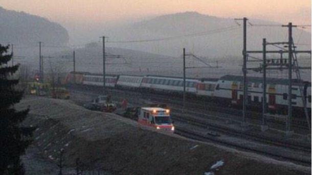 У Швейцарії зіткнулися два потяги