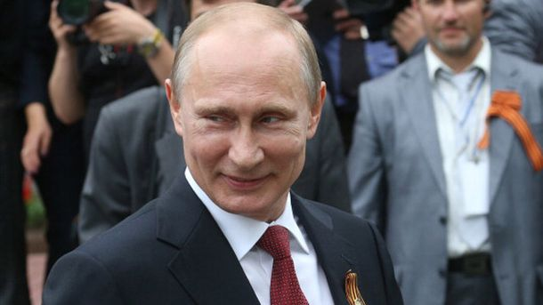 Владимир Путин во время празднования 9 мая