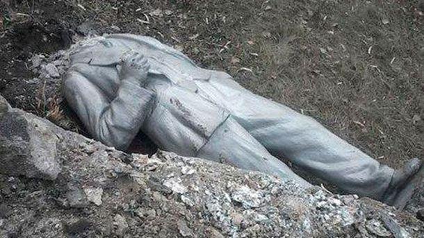 У Тошківці впав Ленін