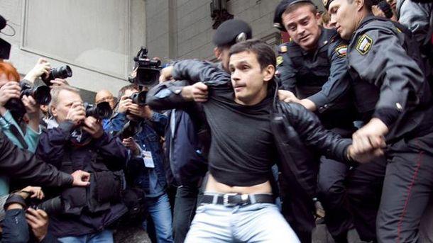 Ілля Яшин під час одного з затримань