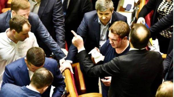 Во время драки досталось Андрею Лозовому