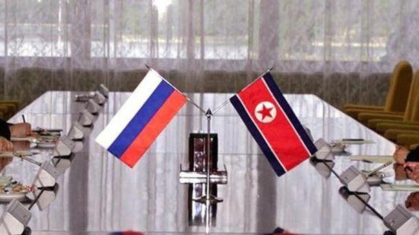 Флаги России и КНДР