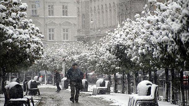 Завтра місцями падатиме мокрий сніг