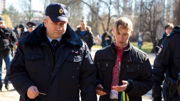 Александр Кравченко с полицией