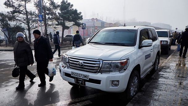 Машина місії ОБСЄ на Донбасі