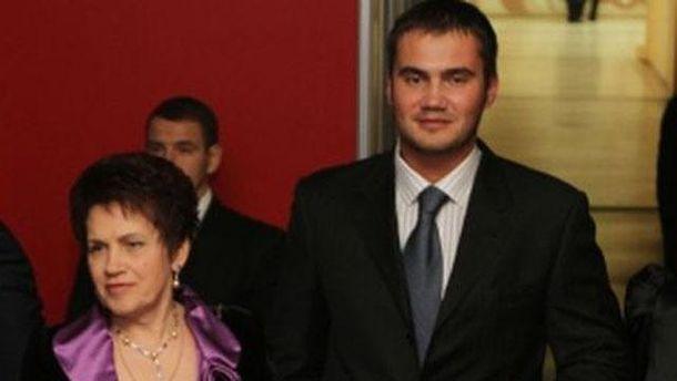 Мама Виктора Януковича-младшего с покойным ныне сыном