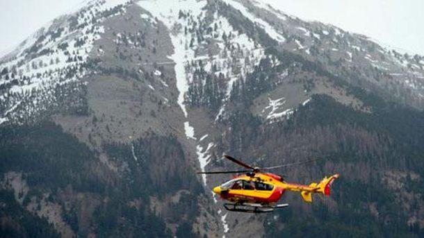 Вертоліт поблизу місця аварії Airbus A320